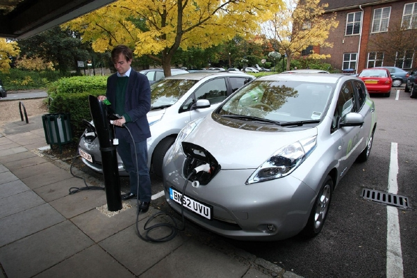 Nissan-LEAF-E-Car