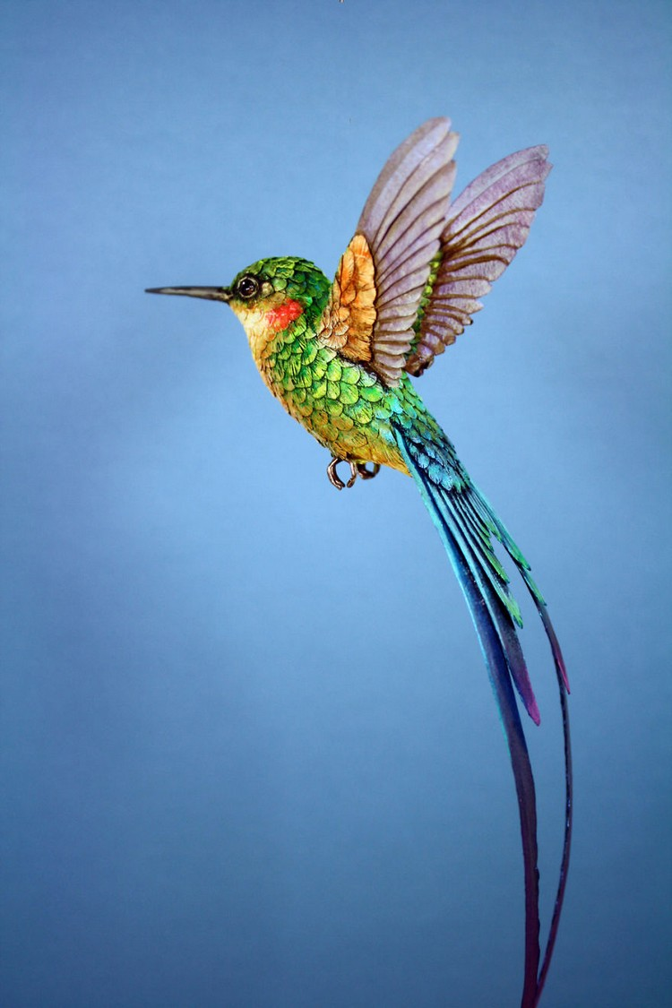 green-hummingbird-sculpture